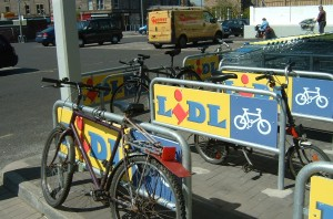 2007 bike parking at Lidl, Dalry Rd